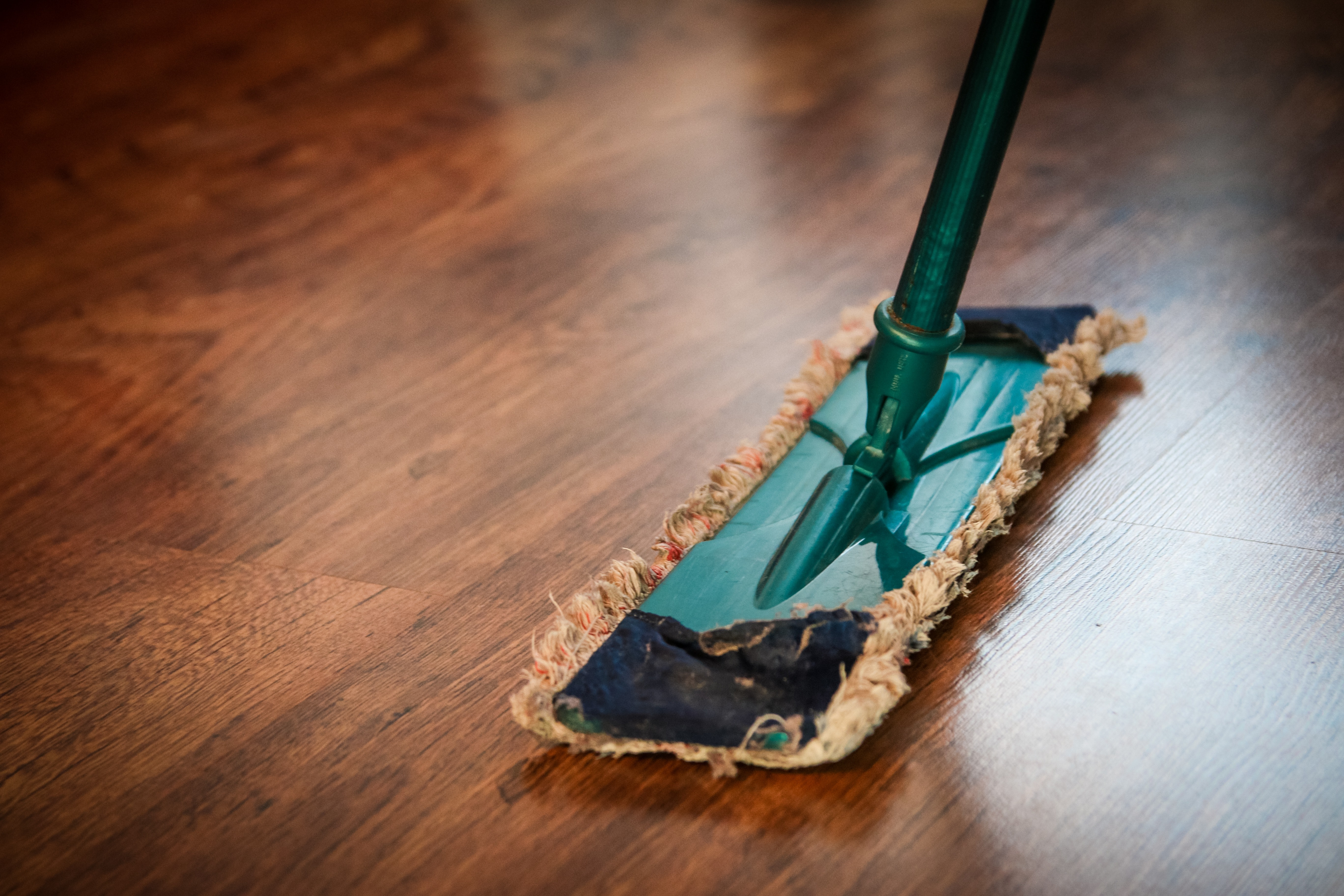 house cleaning tips spray dust mop