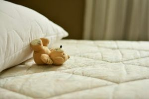 How to clean and freshen your mattress